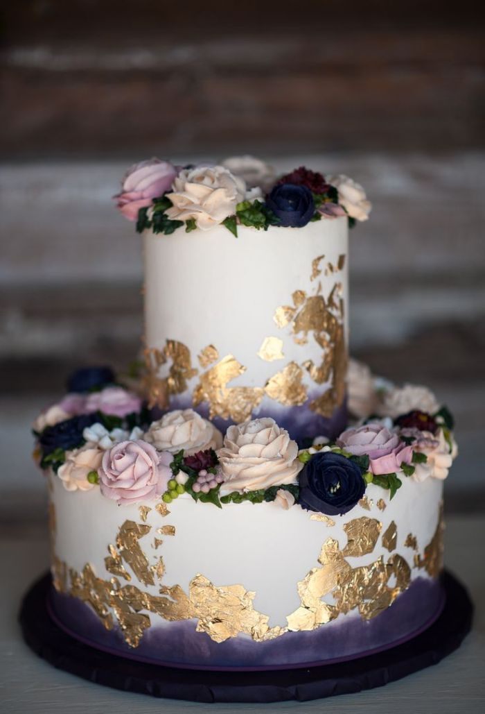 buttercream_3e784ea72e32ff541146feea1e8ba5bf--wedding-cake-gold-purple-wedding-cakes.jpg